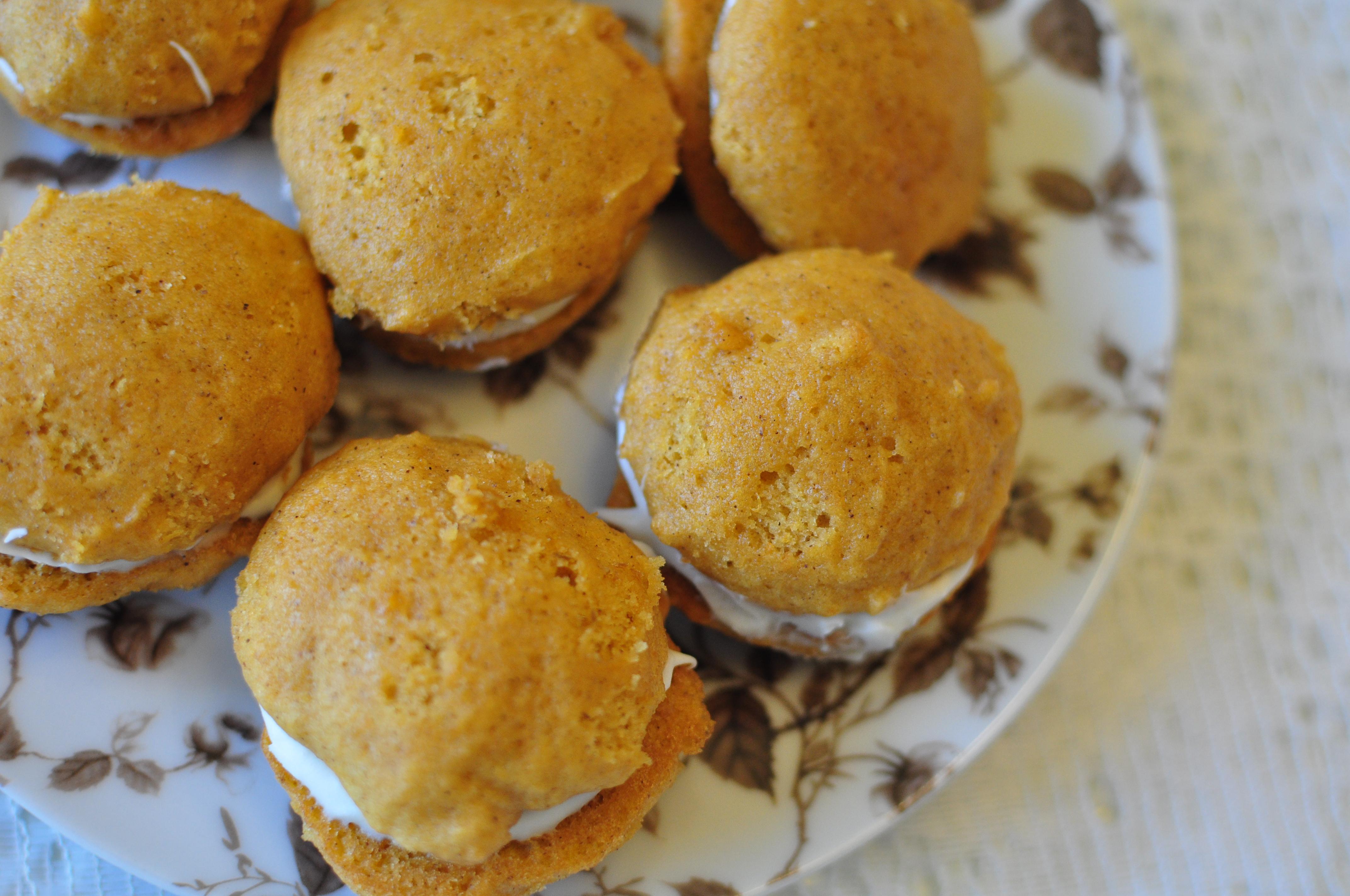 Mini Pumpkin Whoopie Pies {12 Weeks of Christmas Cookies} | Meg's ...
